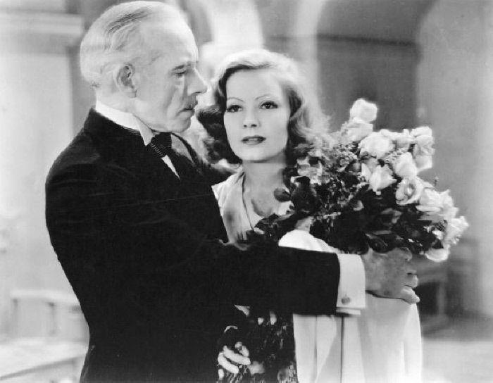 Lewis Stone e Greta Garbo - MONDADORI PORTFOLIO/The Kobal Collection