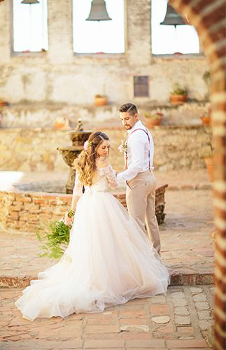 Spanish Wedding at the San Juan Capistrano Mission – Inspired By This