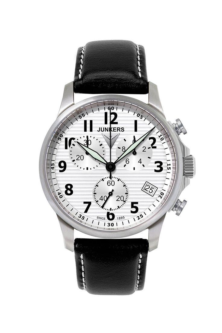 Junkers 6890-1: dieser Chronograph von Junkers gehört zur Serie Tante Ju. Eine klassische Uhr in der Junkers-Kollektion. Mit persönlicher Gravur bestellen.