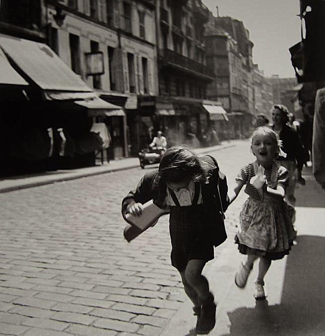 Louis Stettner - Rue des Marytrs, 1951