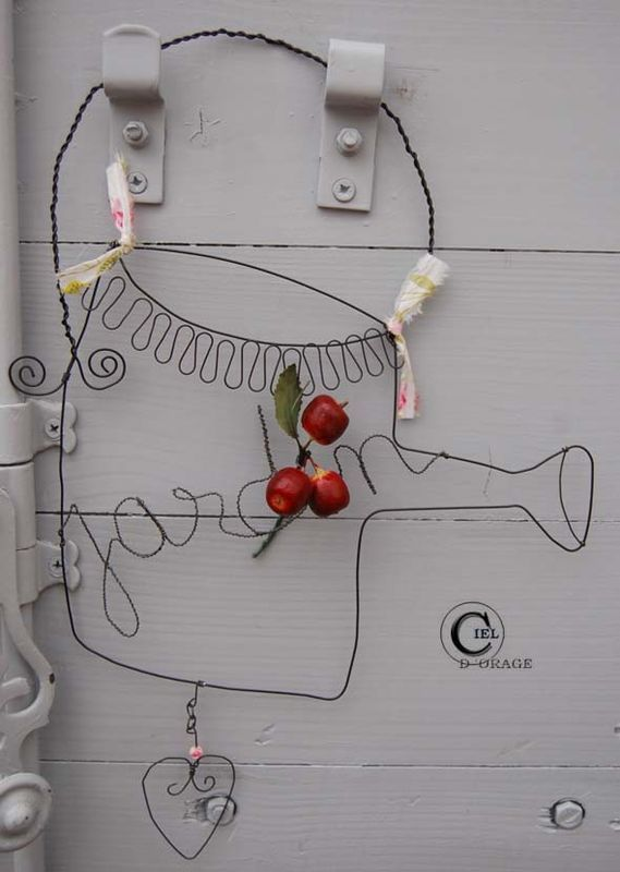 wire art (link on this canalblog to English translate)