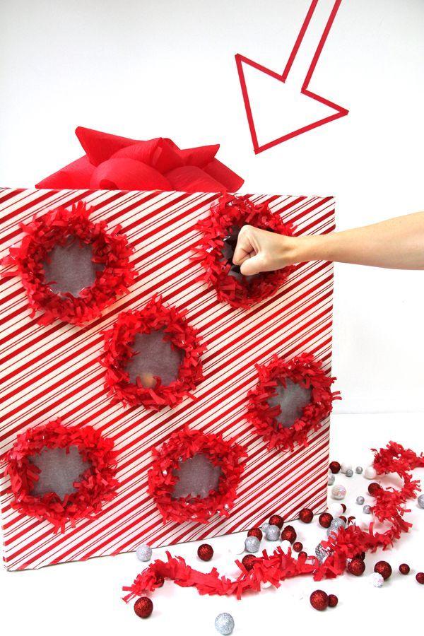 DIY Punch Box Advent Calendar -of voor kleine cadeautjes met sinterklaas.Iets minder gaten maken en de inhoud vergroten.
