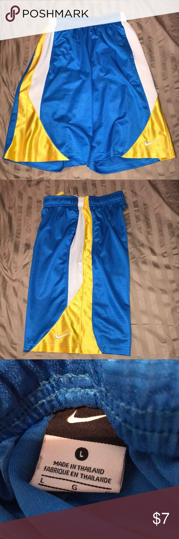EUC boys Nike DriFit Shorts Size large. Nike quality at a great price! EUC fast shipping and bundle discounts. Check out the others boys Nike shorts in my closet! Nike Bottoms Shorts