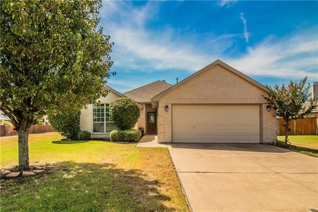Just Listed 4512 Emerald Leaf Dr Mansfield Tx 76063 259 000