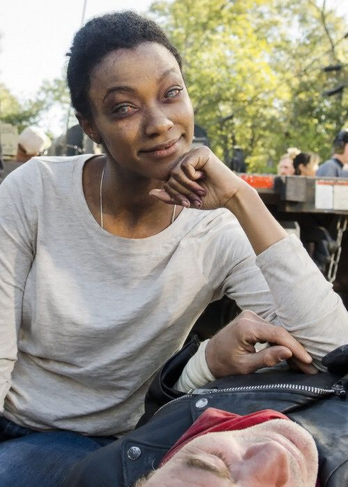 Sonequa Martin-Green behind the scenes of The Walking Dead Season 7 Episode 16   The First Day of the Rest of Your Life