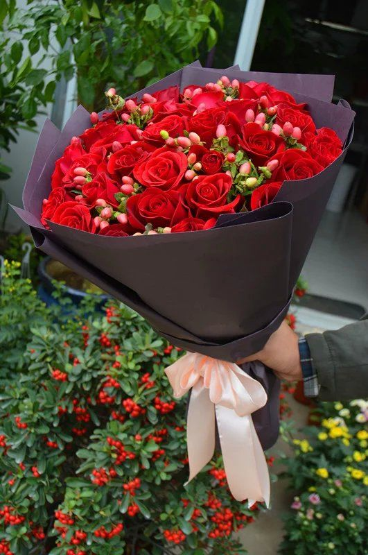 Nanjing flowers shop delivery offer you fast same day flowers deliver everyday in Nanjing China, free hand delivery