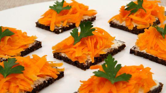 Carrot Salad Bites. a health conscious appetizer!  LOVE it!