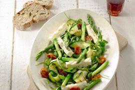 Foto van Salade van geroosterde asperges, courgettes en feta