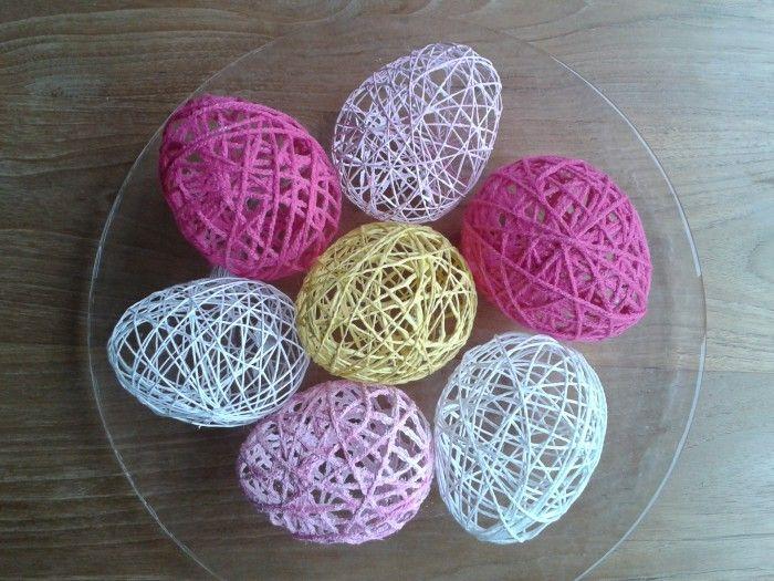 Paaseieren van wol,behanglijm en een waterballon.