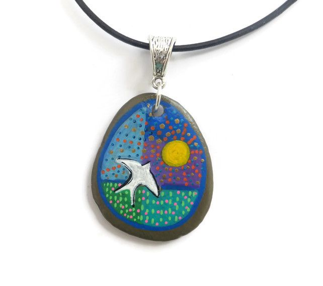 Hand Painted Bird Pendant on Pebble £14.95