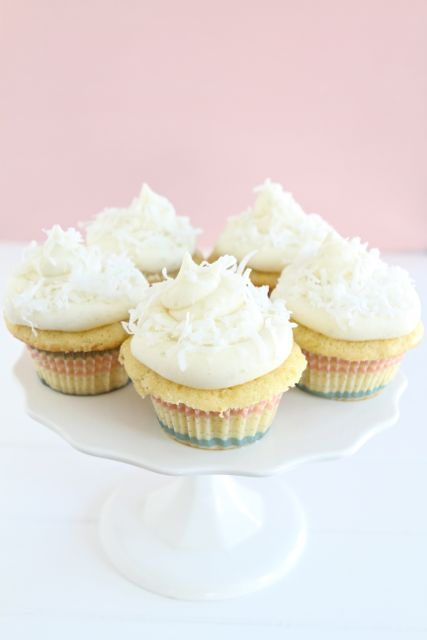 Coconut Lime CupcakesCupcake Recipes, Cupcakes And Muffins, Coconut Limes Cupcakes2, Cupcakes Recipe, Coconut Cupcakes, Macaroon Recipes, Cupcakes Rosa-Choqu, Coconut Limes Cupcakes Yumm, Cake Batter
