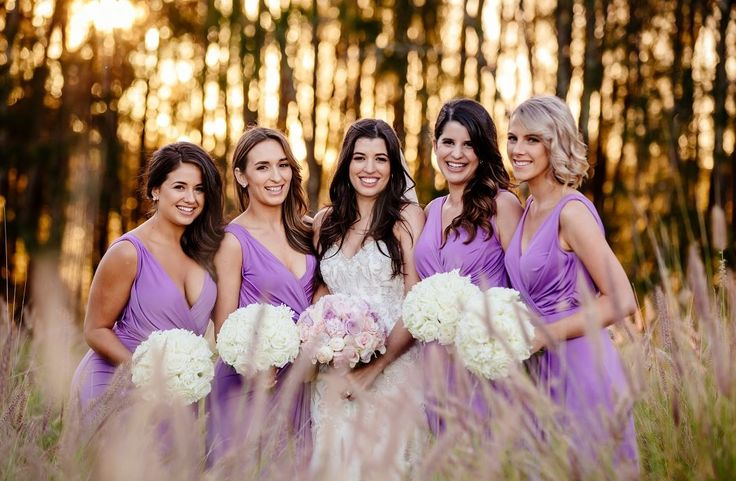 Beautiful photo of Amanda and her bridesmaids on our golf course