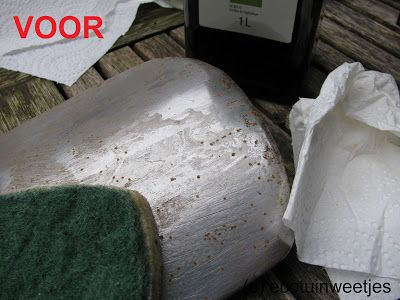 Ecotuinweetjes: Spade ontroesten en reinigen op ecologische wijze