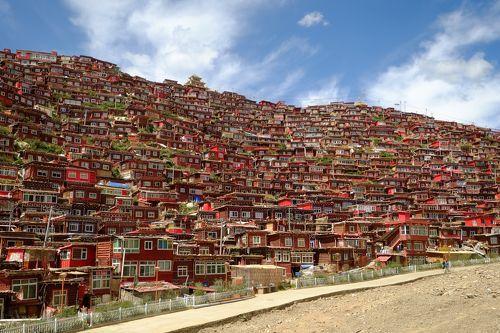 ラルンガルゴンパ  (四川省  東チベット)