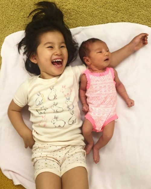 "Lisa Ling Shares Snapshot Of ""sibLINGS"" - http://site.celebritybabyscoop.com/cbs/2016/06/23/shares-snapshot-siblings #JettLingSong, #LisaLing, #Newborn, #PaulSong, #RayLingSong, #Siblings"