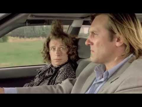 Saga Francis Veber : Les Fugitifs (1986) - Elle a pris un mauvais pli non? - YouTube
