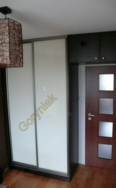 Wenge magia D2229 - szkielet szafy, drzwi profile aluminium srebrne z wypełnieniem RAL9003 lakobel biały - http://www.Goryniak.pl