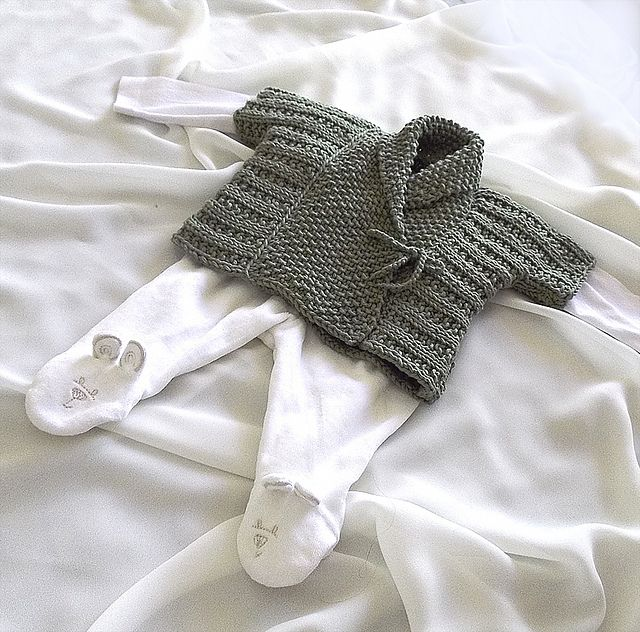 Baby Shawl Collar Knitting Pattern : 217 best baby magyar sleeve images on Pinterest Baby knits, Knit crochet an...