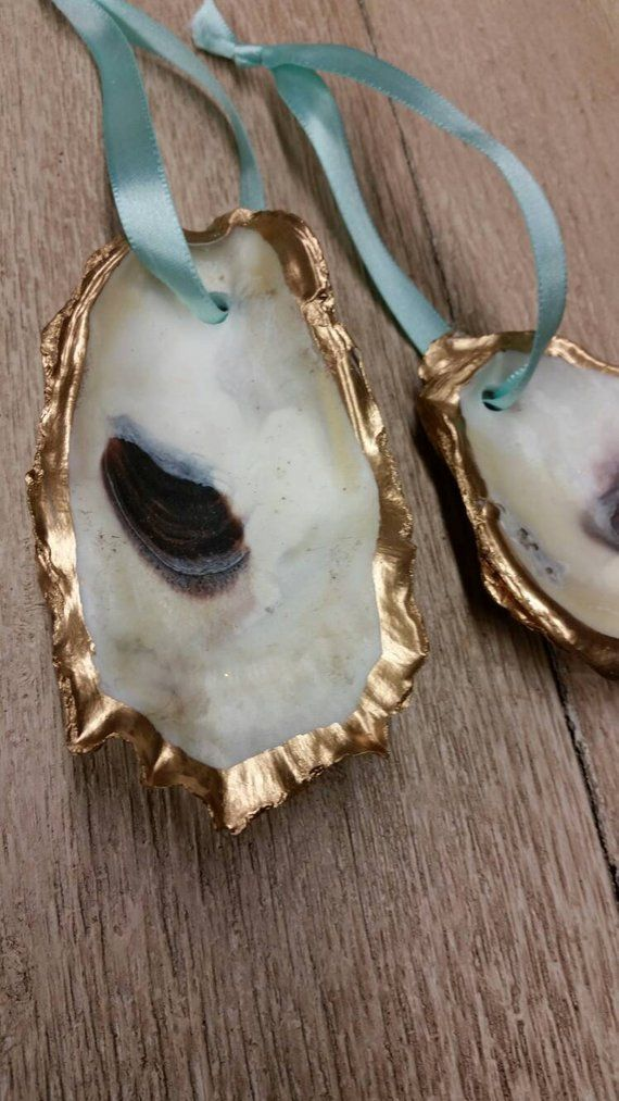 Oyster Shell With Gold Leaf Wedding Favor Gift Tag Hostess Gift Housewarming Or Gift Exchange With Blue Hanging Ribbon Oyster Shell Oysters Oyster Shell Crafts