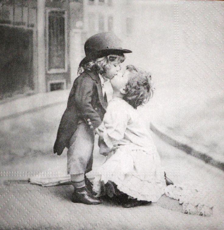 enfants amoureux paris pinterest amoureux images et enfants vintage. Black Bedroom Furniture Sets. Home Design Ideas