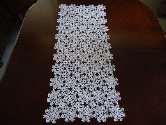 Table Runner Handmade Crochet Needle Arts Crafts White Victoriae Doily