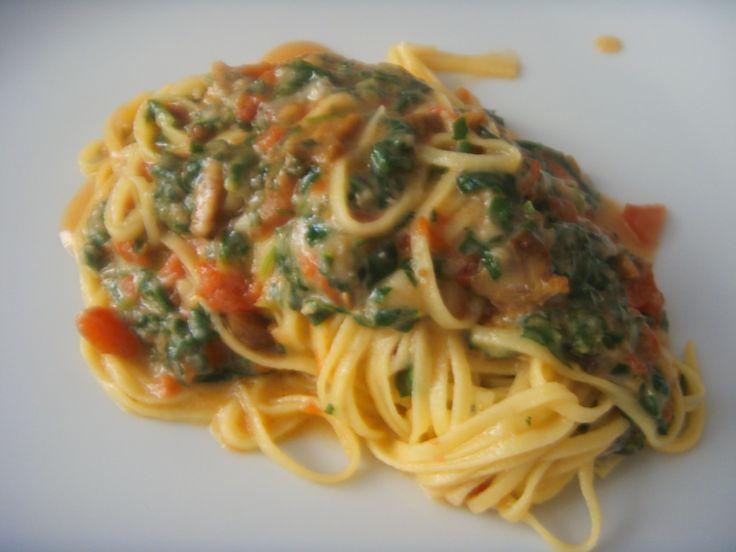 Fresh Tagliolini with Gorgonzola and Mushrooms