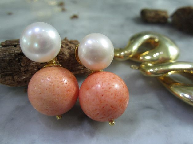 Ohrstecker - Perle Ohrstecker Gold Korallen Tropfen Ohrringe - ein Designerstück von TOMKJustbe bei DaWanda