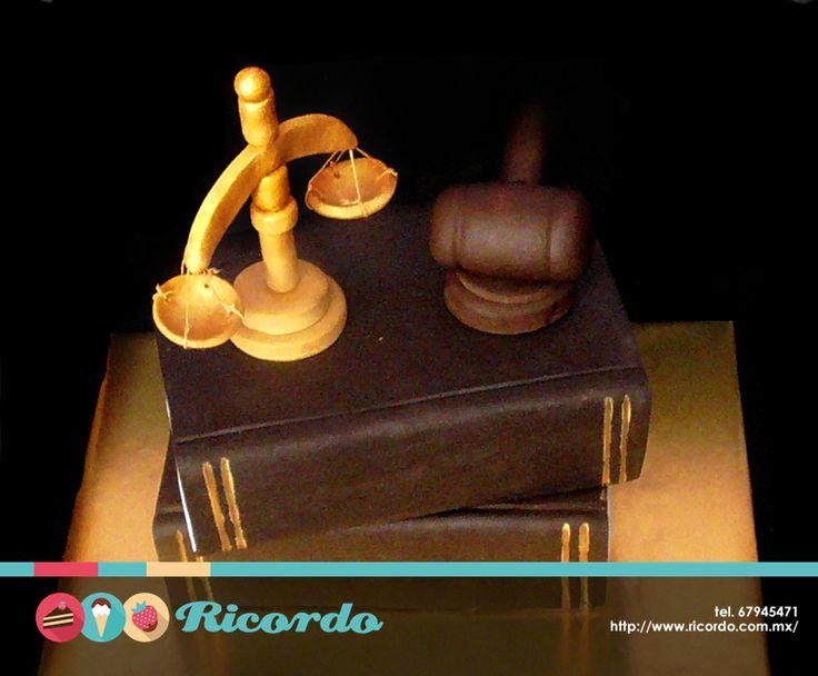 #catalogoRICORDO  Esta semana festejamos a los abogados. Esperamos hayan pasado un día feliz y delicioso.  #pastel #fondant #fondantcake   www.ricordo.com.mx
