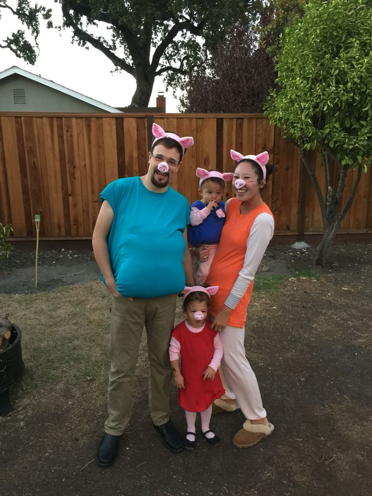 Peppa pig, mommy pig, daddy pig and George. Halloween 2015. DIY. Family peppa pig costume.