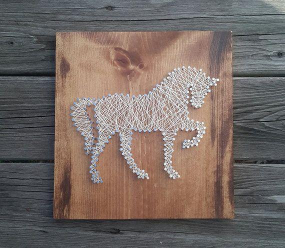 Cadena arte ~ caballo ~ regalo único para amante de los caballos, decoración de casa rústica país, arte hombre de la pared de la cueva, hijo cumpleaños, día de la madre presente