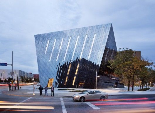 Farshid Moussavi's Museum of Contemporary Art - MOCA_Cleveland_Exterior view from Mayfield