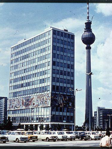 East Berlin 1980. Haus des Lehrers. Fernsehturm