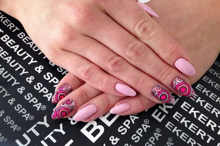 Pink perfect manicure :) We love this :)  Shellac, Vinylux, CND #ekert #nails