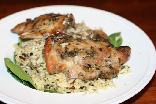 slow cooker herb chicken w/rice and spinach