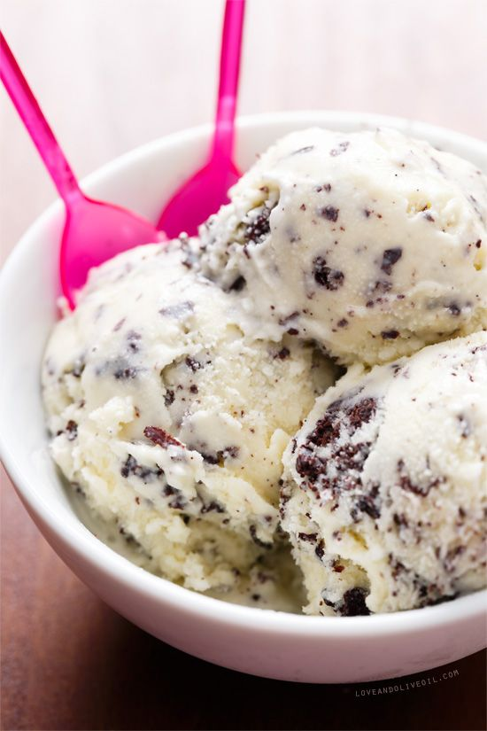 It's the fine chocolate shreds (made by drizzling melted chocolate into the churning ice cream) that make this Homemade Stracciatella Gelato so much more than plain old chocolate chip.