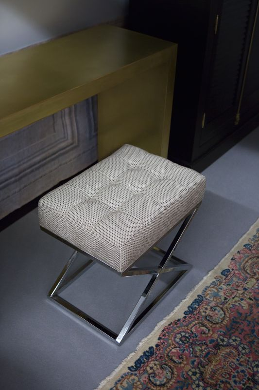The Seat. Elegant and comfortable. Price: 850 PLN