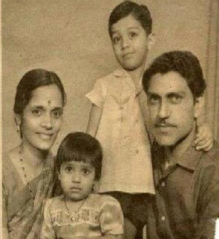 Amrish Puri with family