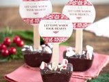 30 Amazing Christmas Wedding Favors To Get Inspired