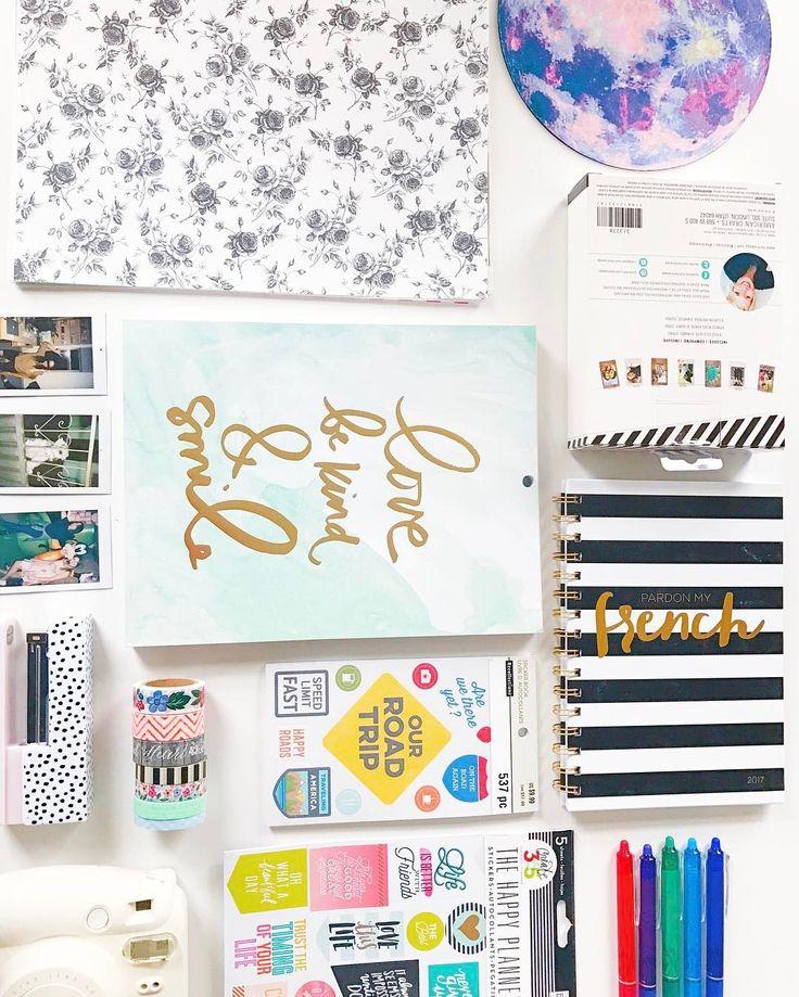 """21.1k Likes, 112 Comments - Bruna Vieira (@brunavieira) on Instagram: """"Detalhes que fizeram parte do meu dia: capinha de borracha em formato de cacto, canetas coloridas…"""""""
