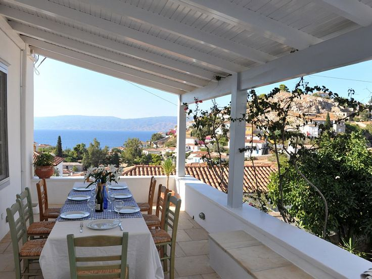 Freddy's House, one of the most impeccable holiday houses to let in Hydra Island Greece - accommodation for 10 guests in 4 bedrooms. Breath-taking views, close to the sea and a gentle stroll to the local tavernas.