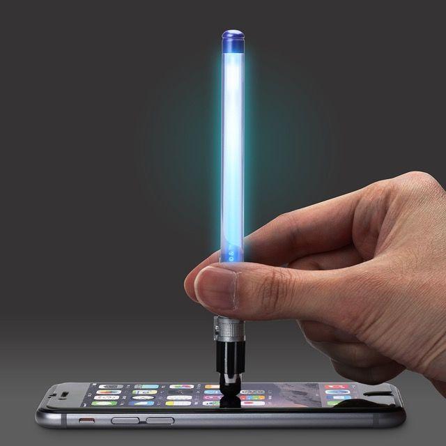 タッチすると光る『ライトセーバー型タッチペン』!