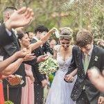 Histórias Reais História de cumplicidade. Rhaissa e Bruno estão juntos há 10 anos. Ao completarem 9 anos de namoro, Bruno surpreendeu Rhaissa comum pedido surpresa de noivado. Para celebrar tanto amor, um casamento ao ar livre,mais que perfeito,...