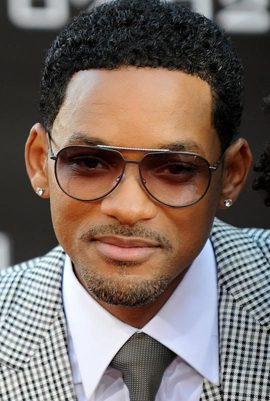 Will Smith-Aviator style sunglasses with a gradient tint ...