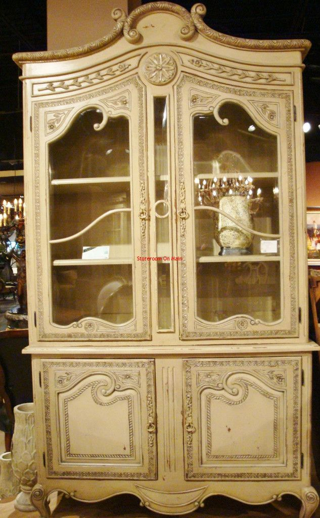 Beautiful french country hutch. Love the creamy color.