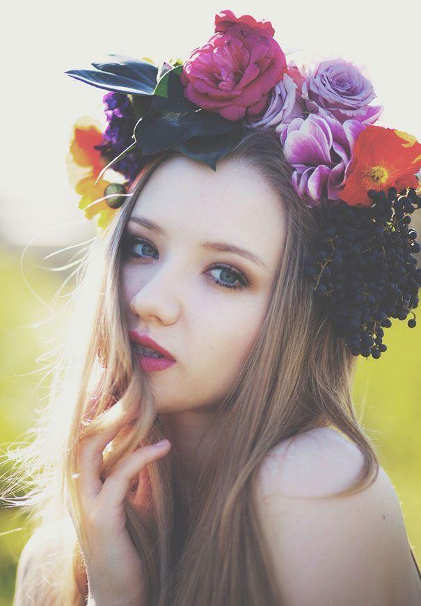 何色のお花にする?人気の髪型『花冠』の色別なりたいイメージまとめ*にて紹介している画像