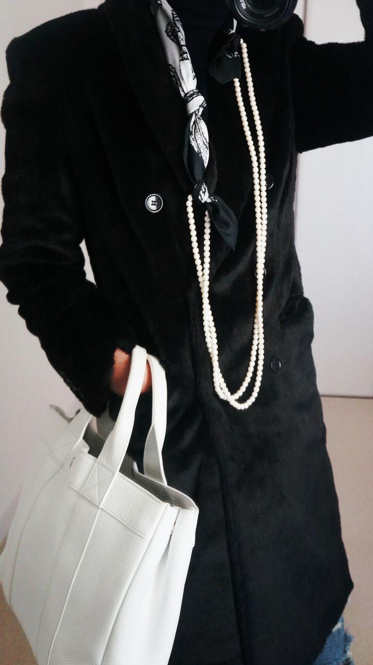 40代ファッション スカーフ スカーフ巻き方 スカーフアレンジ エルメススカーフ  scarf arrangement HERMES carres エルメス スカーフコーデ scarf arrangement エルメス カレ HERMES carres スカーフ巻き方 スカーフコーデ エルメススカーフ 40代ファッション