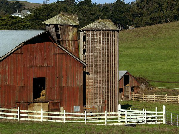 This nice old barn is in Northern Marin County not far from the Sonoma County line.