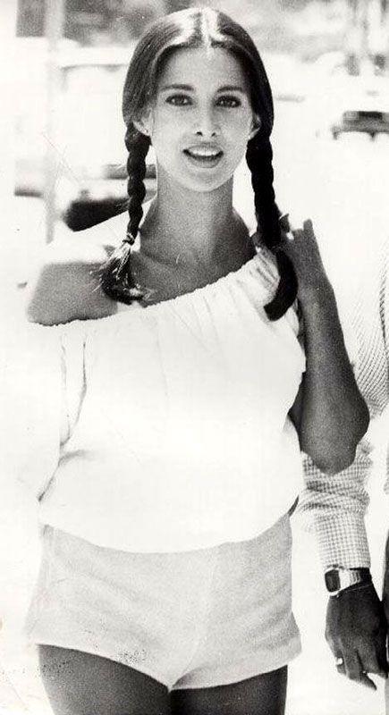 Connie Sellecca Selleca original magazine PIN UP mini POSTER centerfold PHOTO #3