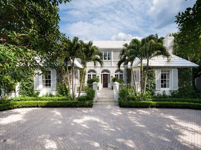 A Bermuda Style Palm Beach Home by John Volk for Rent- The Glam Pad
