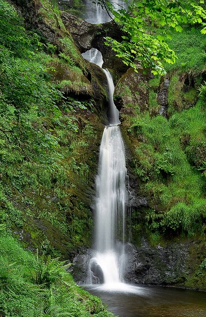 Pistyll Rhaeadr Waterfalls, near Llanrhaeadr-ym-Mochnant, Powys, Wales, UK | A spectacular and impressive waterfall surrounded by lush green vegetation (6 of 10) by ukgardenphotos, via Flickr
